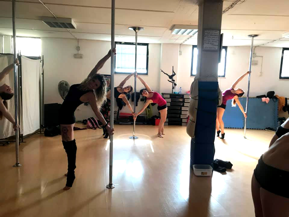 scuola di pole dance grosseto - pole fight